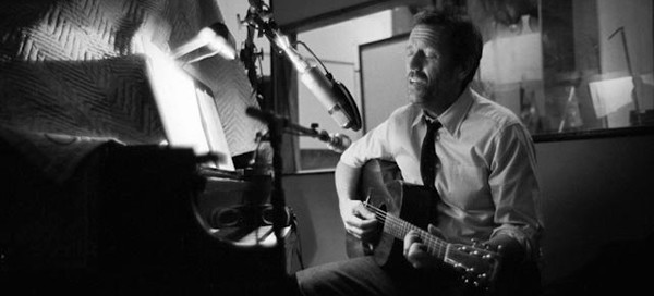 "Hugh Laurie ""Let Them Talk"" Featured 2"