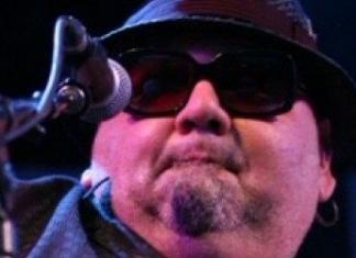 Poppa Chubby at Mount Tremblant International Blues Festival FEATURED
