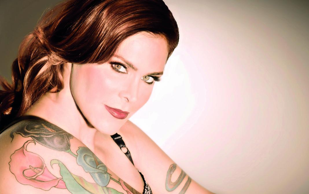 Beth Hart (Photo by Jeff Katz)