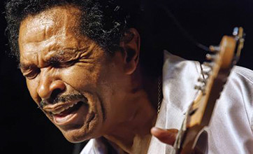 Bobby Rush Plays Guitar