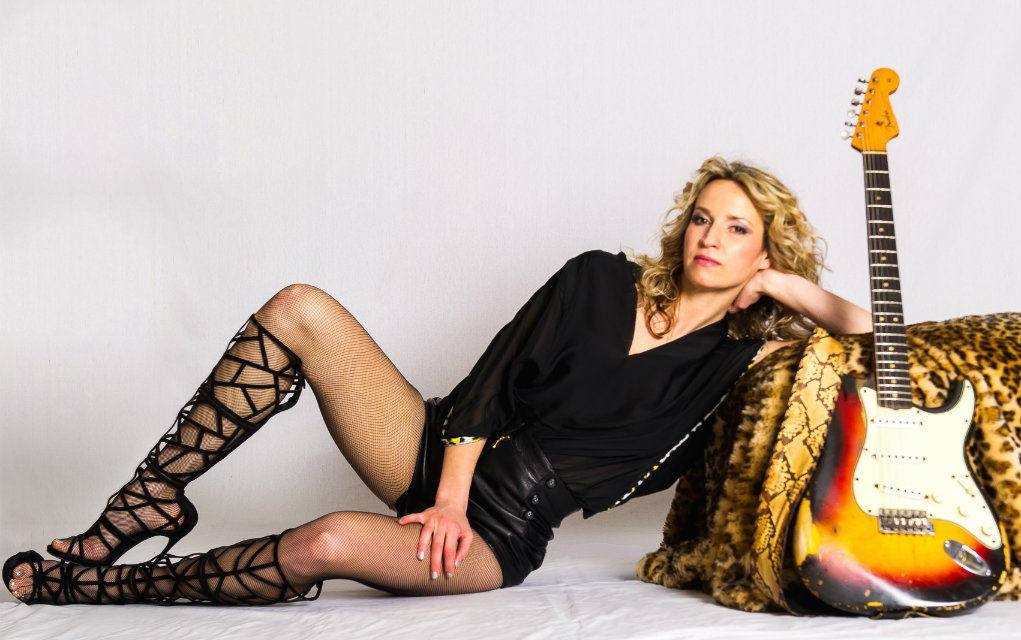 10 Things You Didn't Know About Ana Popovic Feature