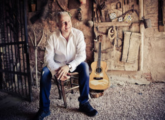 Tommy Emmanuel Promotional Photo from the artist's website